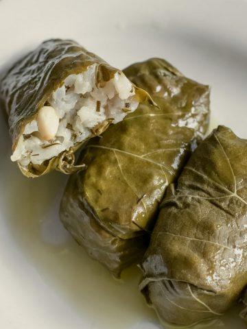 Greek-Stuffed-Vine-Leaves-Dolmadakia-Recipe