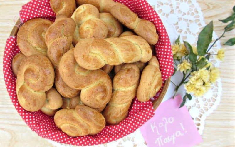 The Authentic Greek Easter Cookies Recipe (Koulourakia Pasxalina)