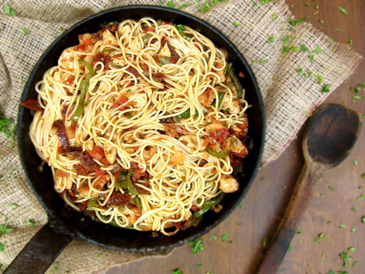 Pasta With Chicken And Sun Dried Tomatoes