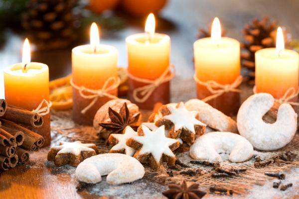 French-Christmas-biscuits-–Photo-by-Hetizia-via-Fotolia