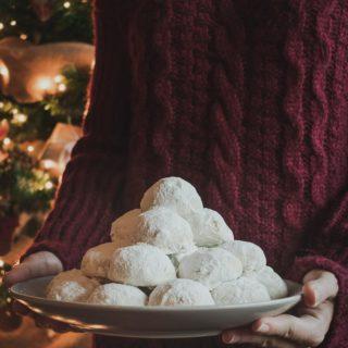 Greek Christmas Shortbread Cookies Recipe
